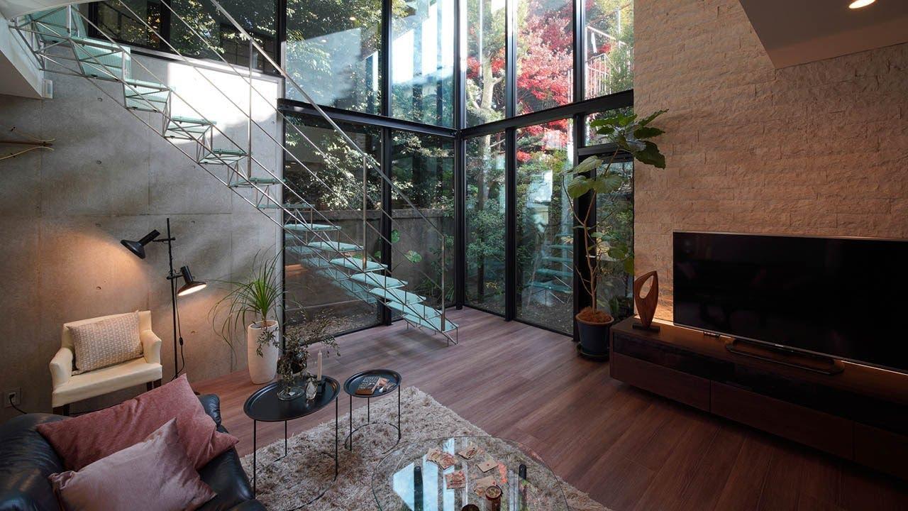 Vol.55「ガラス階段のある家」